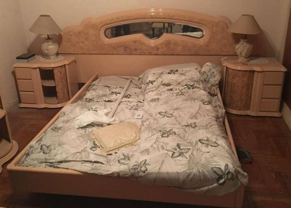 Juego de <strong>dormitorio</strong> cama mesa de luz comoda espejo y velador