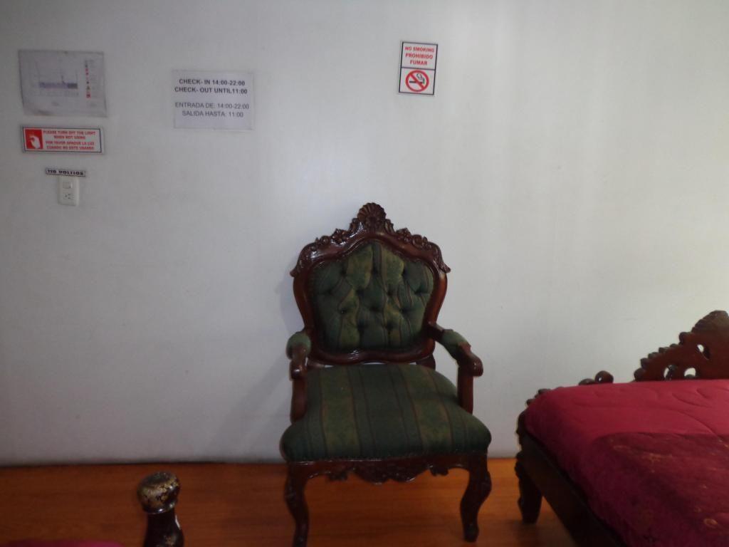 DESDE 30 USD /habitacion semanal compartida/Individual 45 USD semanal/renta/alquiler/centro de Quito/amoblados/cuartos