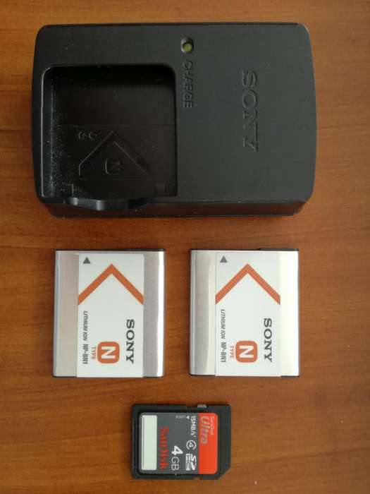 <strong>bateria</strong> Sony Npbn1 con Cargador