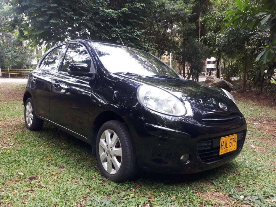 Nissan March 2013 - 75000 km