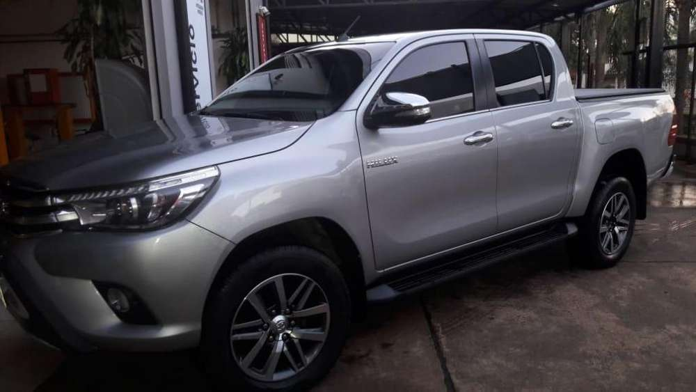 <strong>toyota</strong> Hilux 2017 - 50000 km
