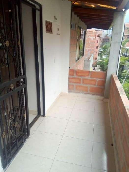 Arriendo apartamento pachelly araucarias 2 cel 3114152987