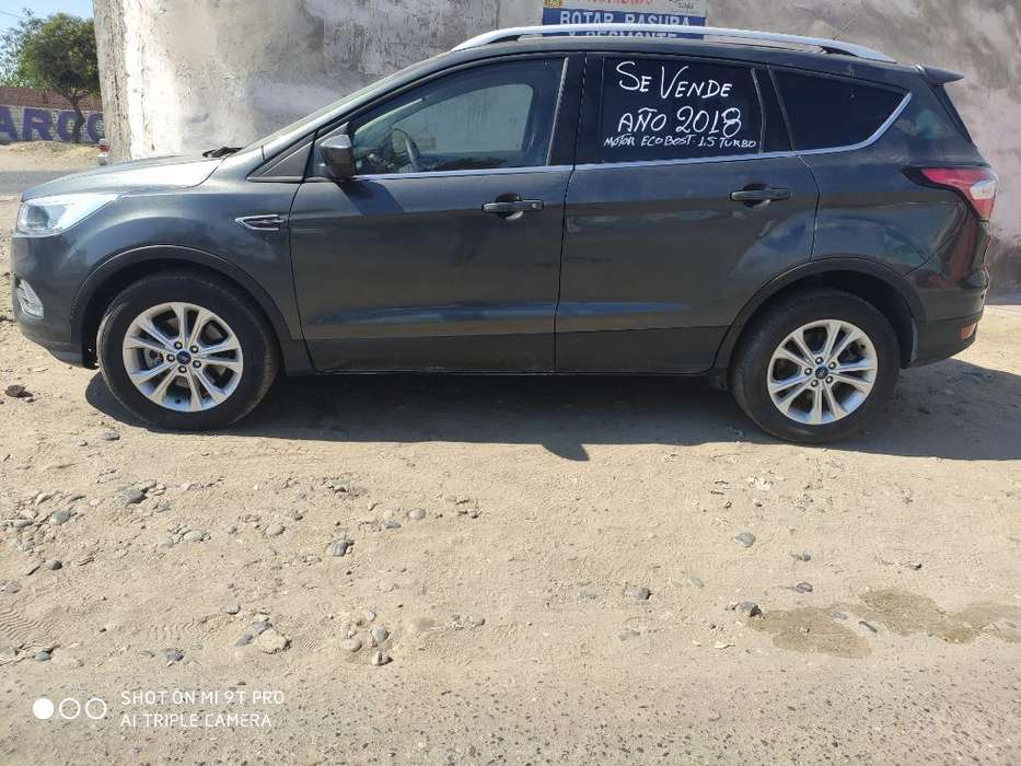 Ford Escape 2018 - 15000 km