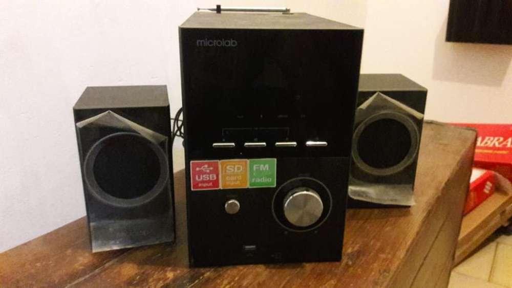 Parlante Microlab