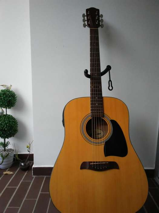 Guitarra Folk Vorson D-9EQN Perfecto estado.