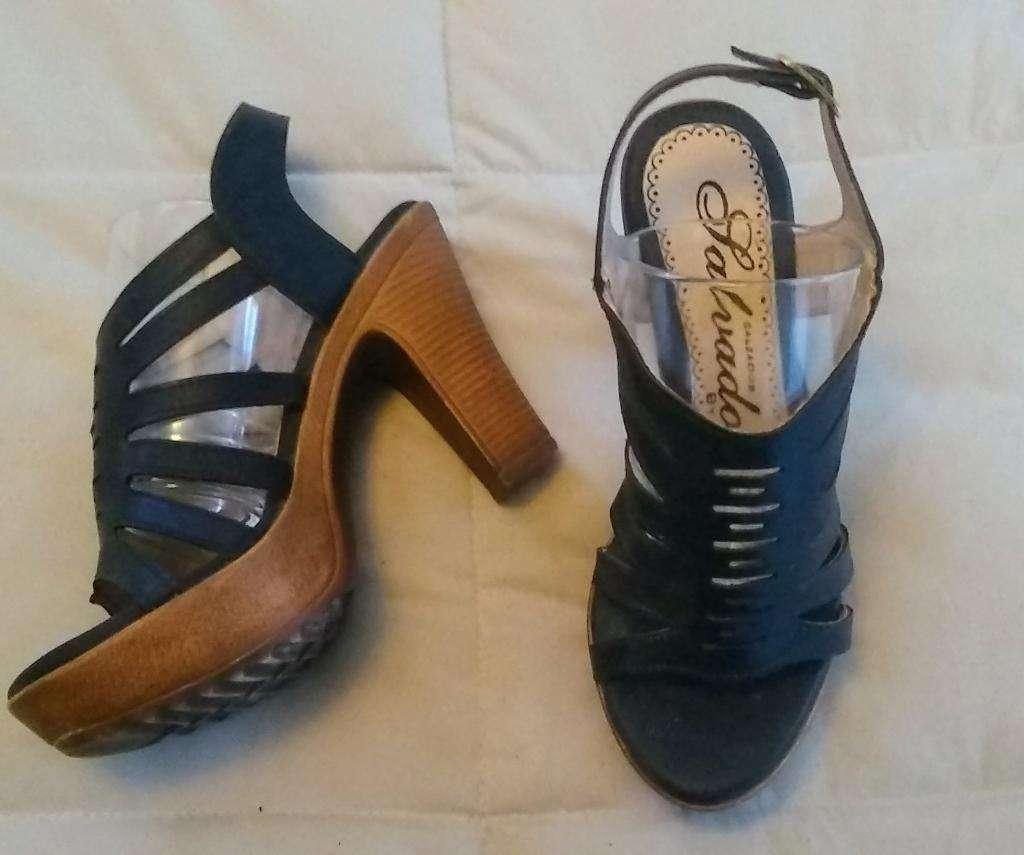 95150b0b96ef4 Zapatos de Cuero Taco Madera Unico Par - Capital Federal