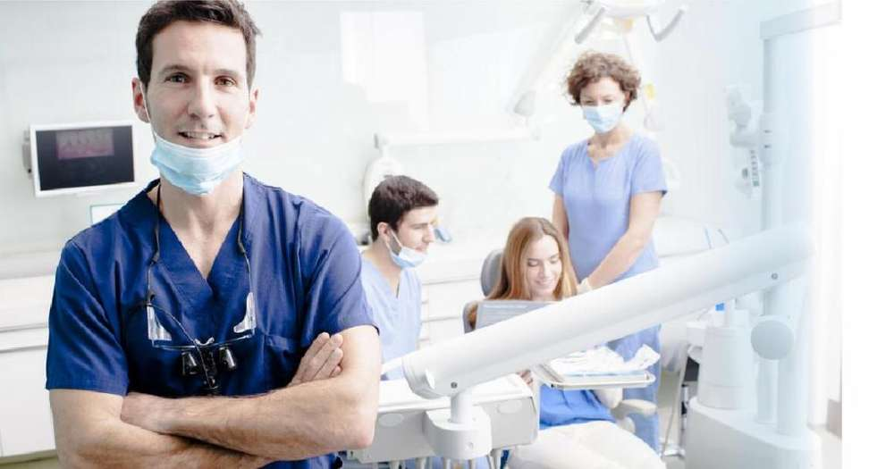 Se requiere de un odontólogo que viva en Los Olivos