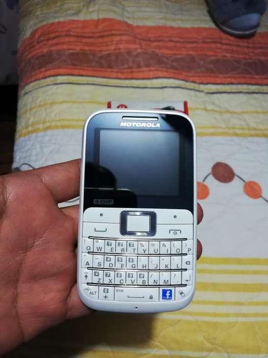 Vendo O Cambio Motorola de 3 Chips