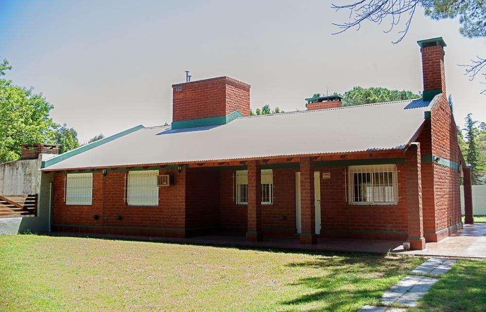 cx55 - Casa para 2 a 9 personas con pileta y cochera en Monte Hermoso