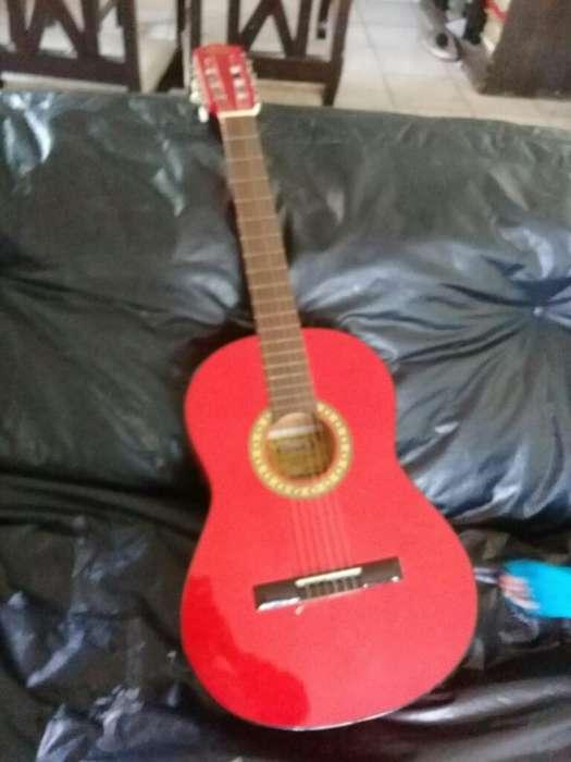 Vendo , Guitarra Marca Gracia