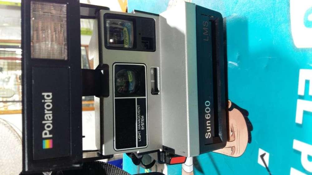 Camara de fotos instantanea polaroid sun 600