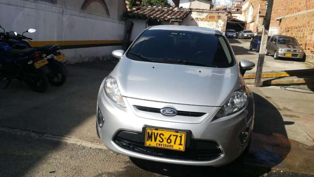<strong>ford</strong> Fiesta  2013 - 63500 km