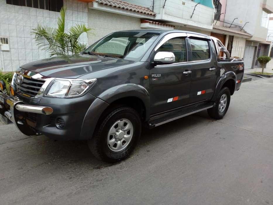 Toyota Hilux 2013 - 90000 km