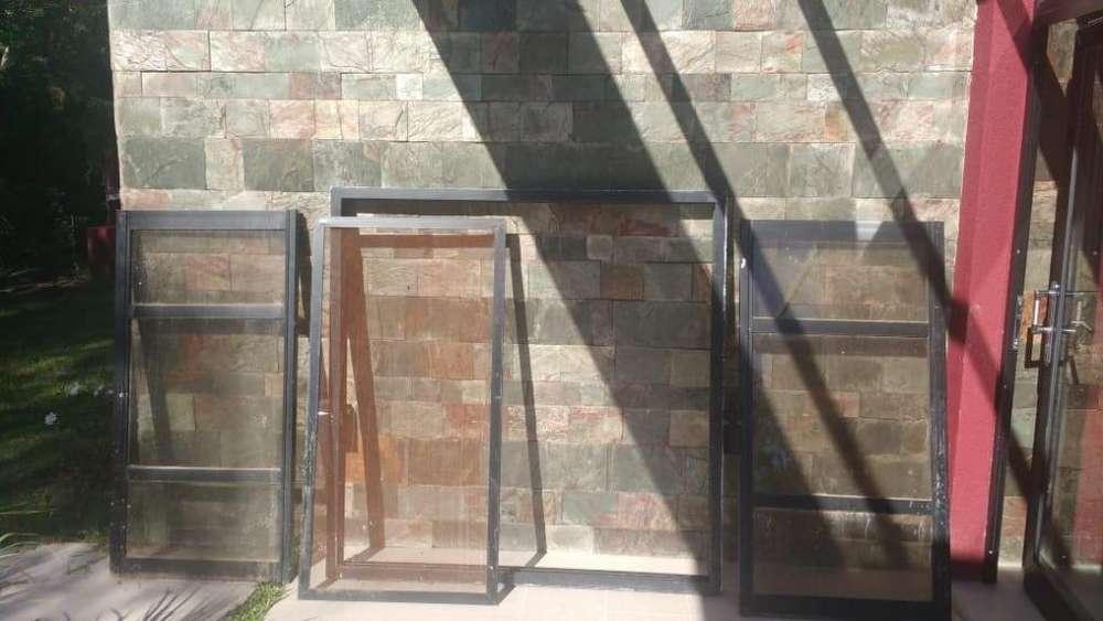 Vendo ventana de <strong>aluminio</strong> 1,50 x 1,50 linea herrero en perfecto estado