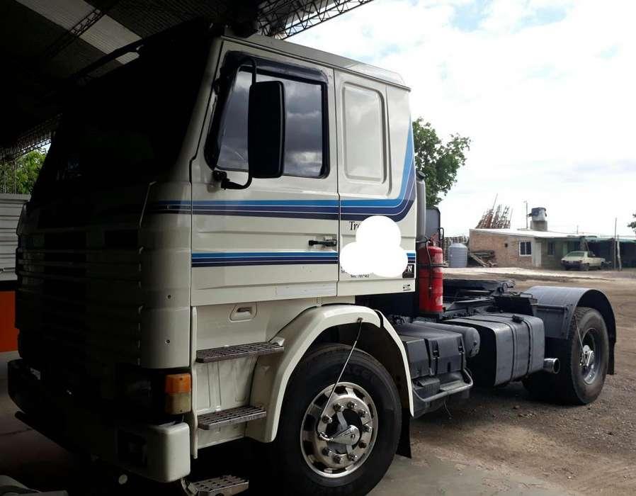 Scania 113 320 frontal caja de 13 1997