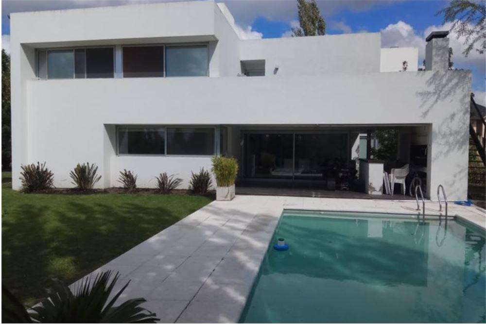 VENTA CASA CANNING-SAN VICENTE COUNTRY GOLF