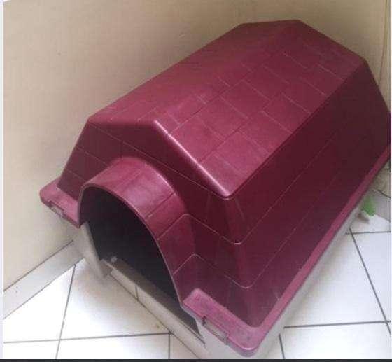 Casa de Perro de Plástico Duro