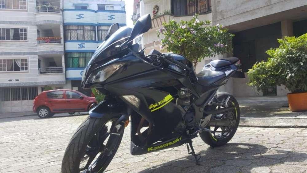 VENDO/PERMUTO <strong>kawasaki</strong> Ninja 300 Modelo 2014