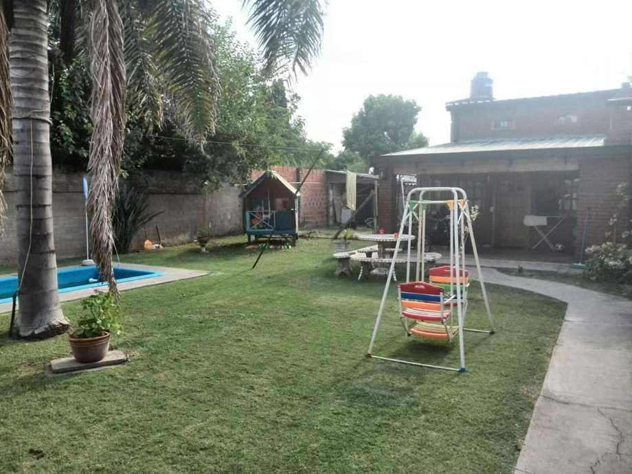 Casa con Departamento en venta en Francisco Alvarez