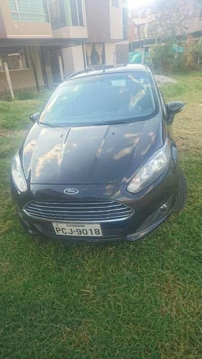 Ford Fiesta  2013 - 75000 km