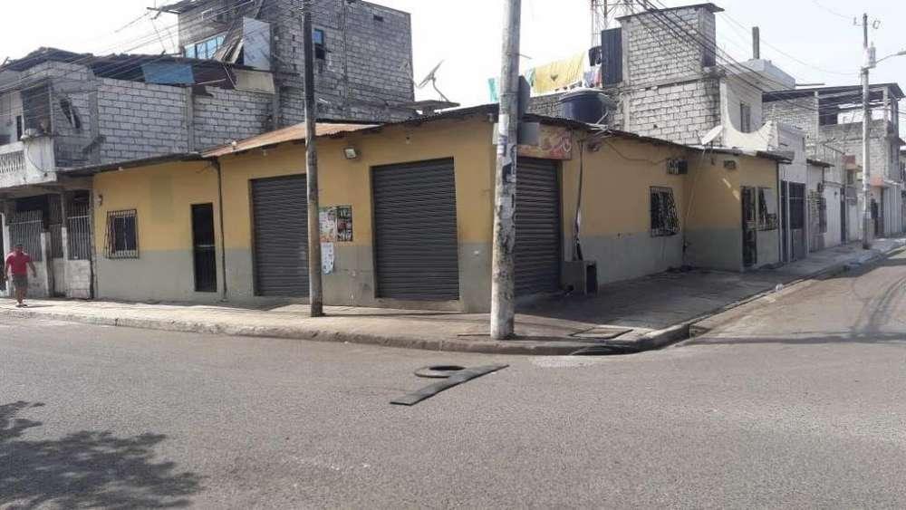 Vendo Casa Rentera, 28 y la C, diagonal al colegio Otto Arosemena