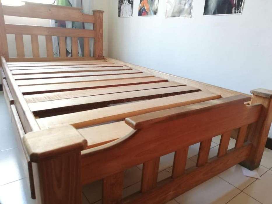 Cama sencilla de 1m x 1.90m en pino natural, con cajonero