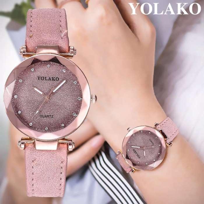 Reloj con brillo correa de cuero, imantado de moda