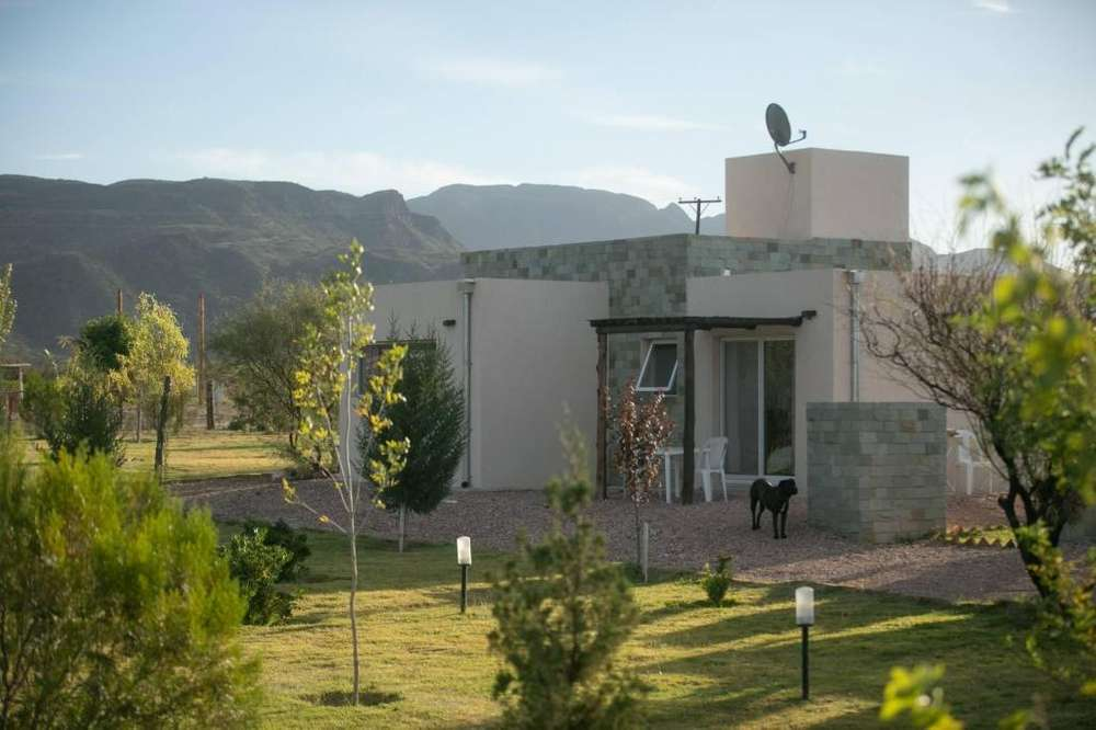 hk19 - Cabaña para 2 a 5 personas con pileta y cochera en Valle Grande o Cañon del Atuel