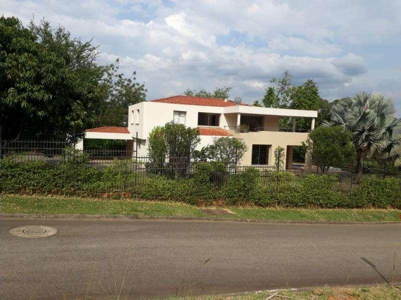 Casa Campestre En Venta En Cali Pance Cod. VBSBI11551