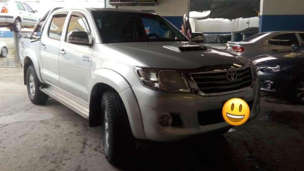 Toyota Hilux 2013 - 140000 km