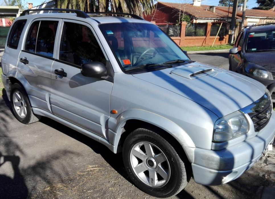 Suzuki Grand Vitara 2004 - 243600 km