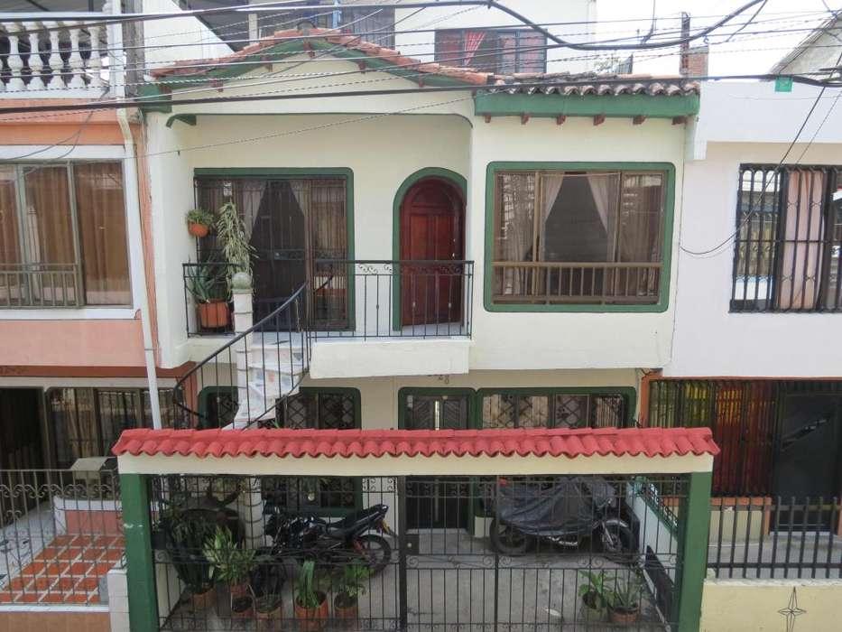 Preciosa Casa Colonial - Nueva Base
