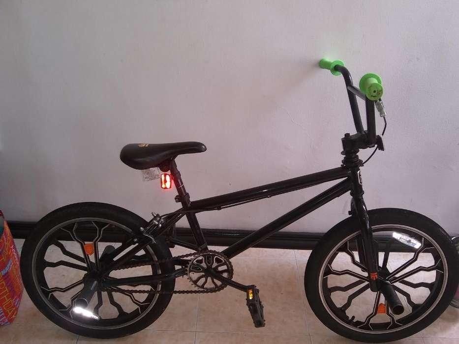 Vendo Bicicleta Moongose a Buen Precio