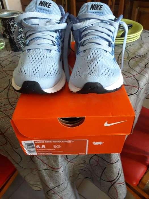 Zapatillas Nike Revolution 6,5