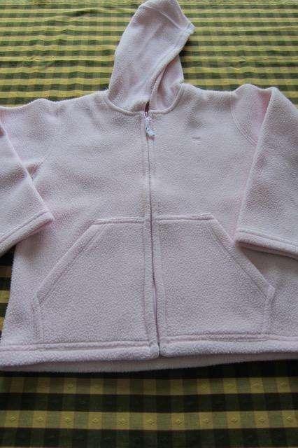 Campera de polar con capucha, para nena, marca Cheeky!!!, muy poco uso!!, impecable estado!!!