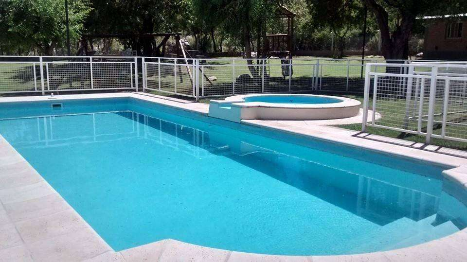 ta39 - Cabaña para 1 a 7 personas con pileta y cochera en Villa De Merlo