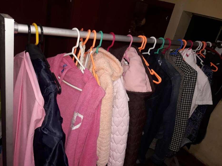 Vendo colgador de aluminio para colgar ropa
