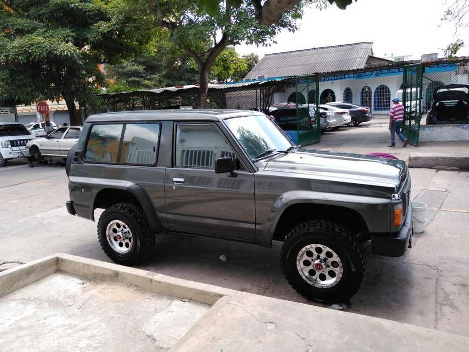 Nissan Patrol  1993 - 200000 km