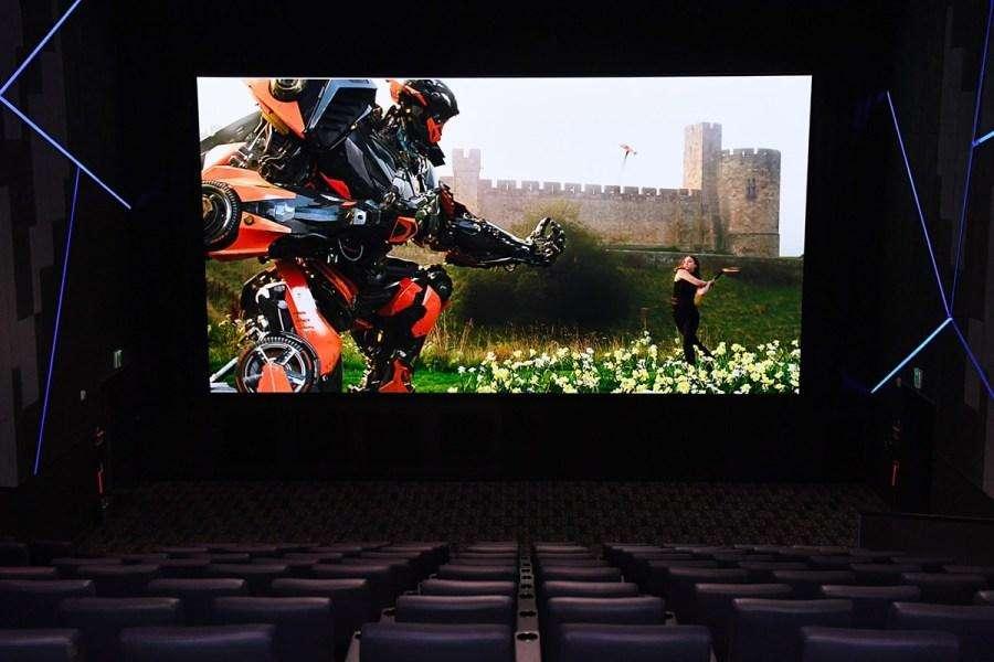 Mantenimiento de pantallas de cine 2d 3d