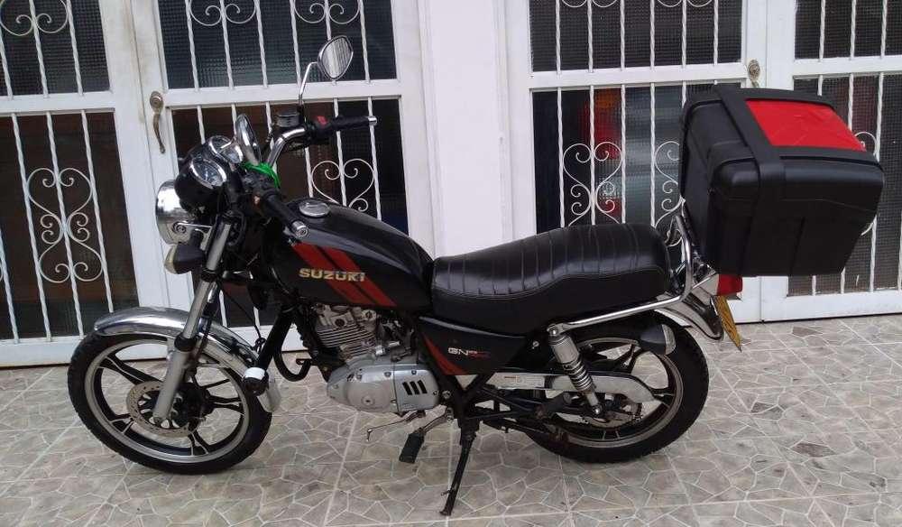 Se vende moto GN 125 Suzuki como <strong>nueva</strong> papeles al día