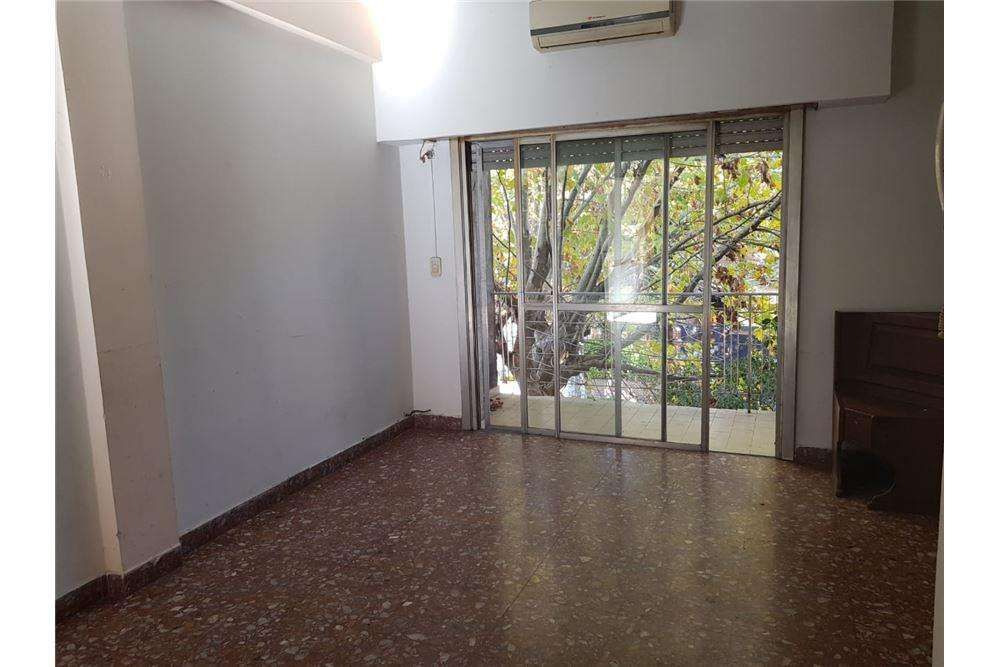 VENTA DEPTO 3 AMBIENTES EN QUILMES BERNAL PATIO
