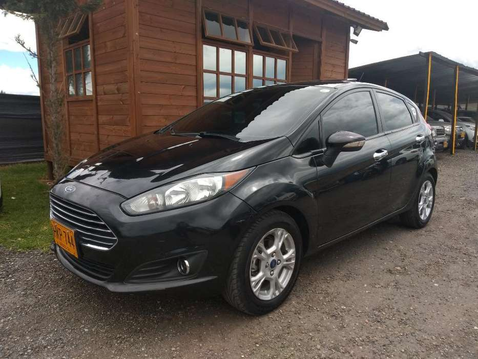 Ford Fiesta  2014 - 77000 km