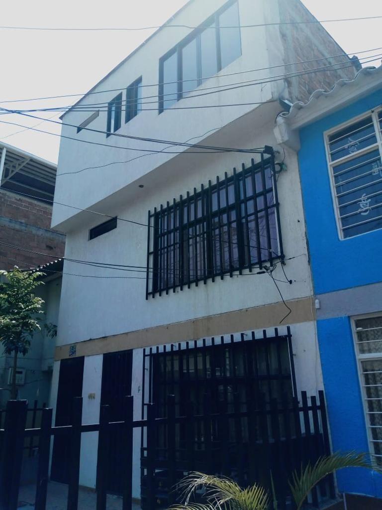 Casa Multifamiliar en Las Ceibas Cali