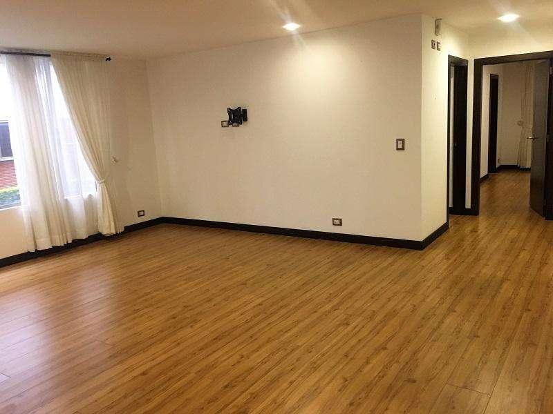 En VENTA Departamento Semi Amoblado Dos Dormitorios, sector Colegio Bilingue Cod: DV132