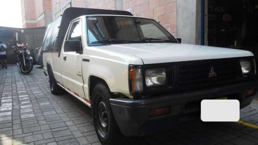 Mitsubishi L200 1998 - 304956 km