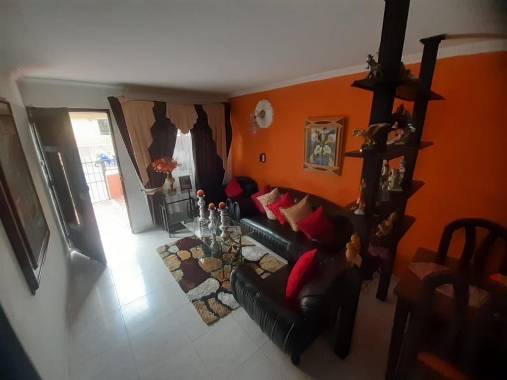 Vendo Casa 1er Piso en Pedregal Antejard