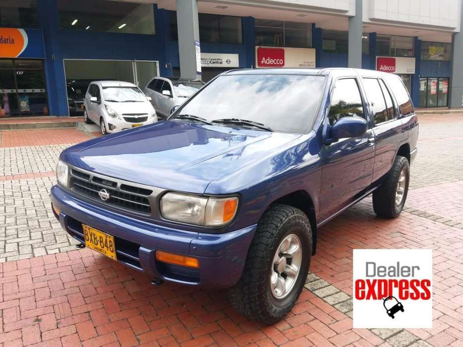 Nissan Pathfinder 1996 - 240500 km