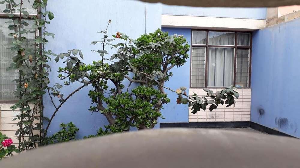 SE VENDE CASA EN SAN MIGUEL DE 2PISOS FRTE A PARQUE LLAMAR AL 978367675 precio esperado: 295,000