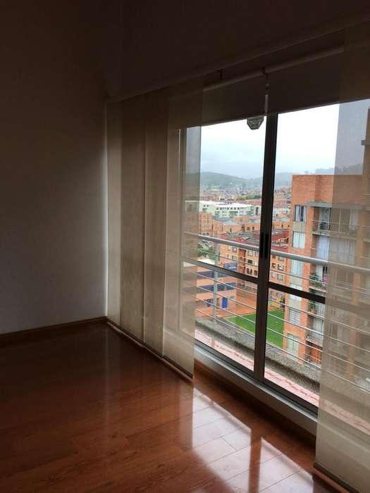 Se vende lindo apartamento ultimo piso recién remodelado