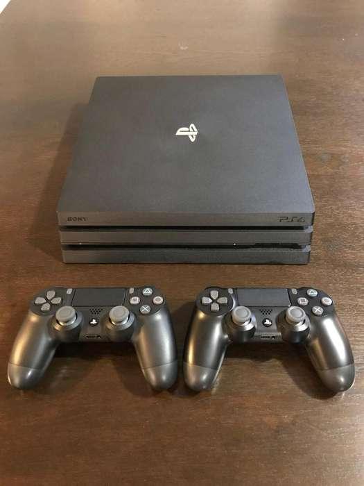 PlayStation 4 PRO 1TB Como Nuevo Con Caja y 2 Controles